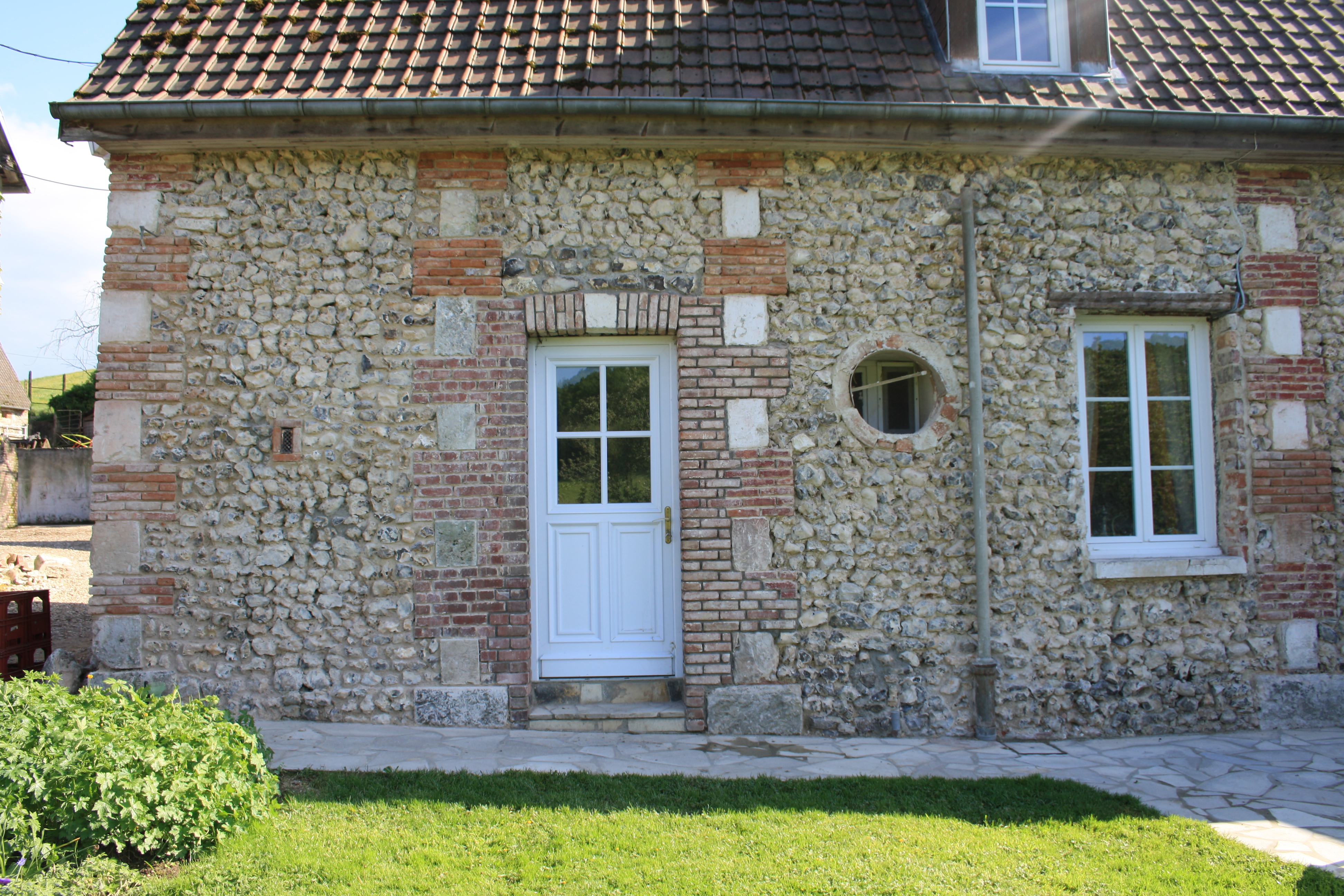 mur d une ferme en pierre de taille nicolas blier. Black Bedroom Furniture Sets. Home Design Ideas